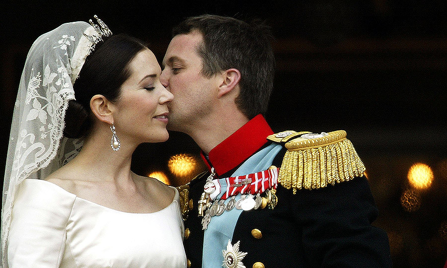 The Crown Prince and his new Princess exuded love on the balcony of Christian VII's Palace after their wedding on May 14, 2004 in Copenhagen.