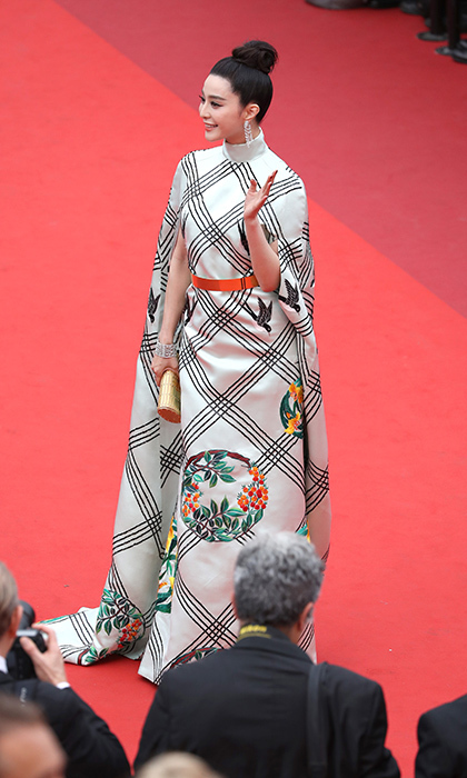 Fan Bingbing showed off her signature haute elegance in a dress by Christopher Bu at the <I>Amant Double (L'Amant Double)</I> premiere. 