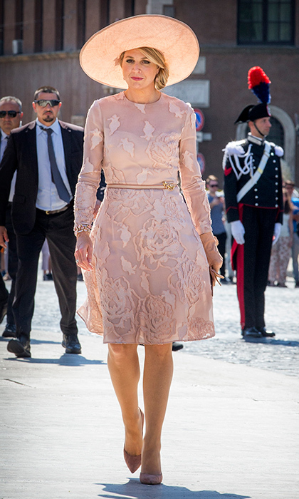 On June 20, Queen Maxima of The Netherlands showed off her pretty in pink style for daytime in Rome.