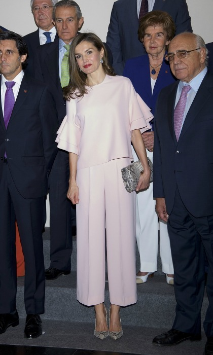 For her first royal engagement of the month - a meeting with FAD (Foundation Against Drug Addiction) - Queen Letizia stepped out in a blush set by Zara. 