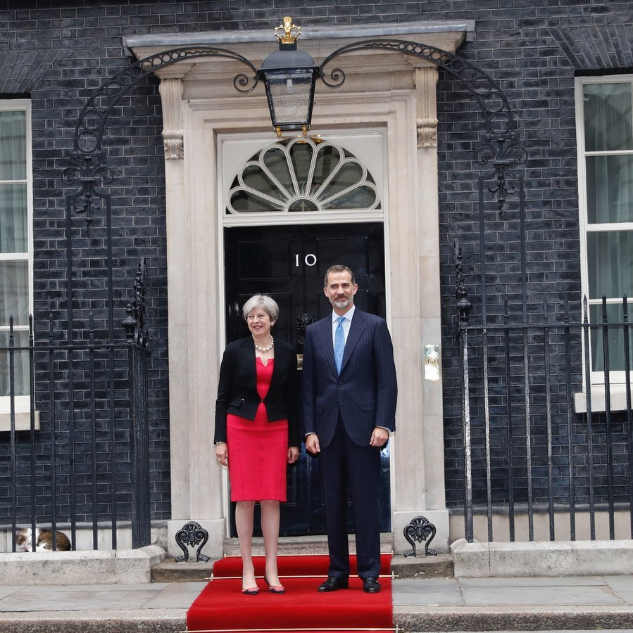 King Felipe stopped by 10 Downing Street to meet with British Prime Minister Theresa May.