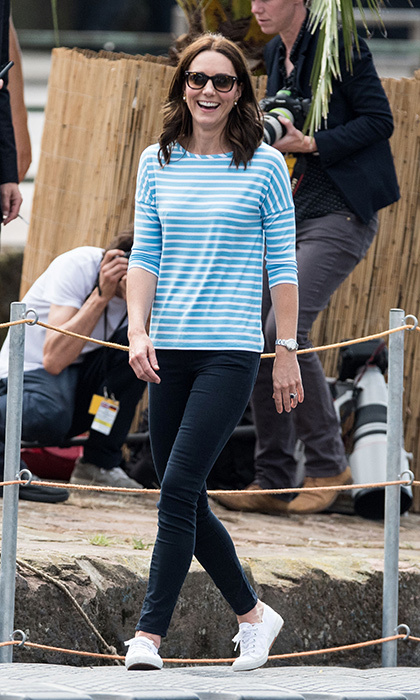 Duchess Kate slipped into a striped top and skinnies – and her fave Superega tennis shoes – to take part in a regatta in the southern German town of Heidelberg.
