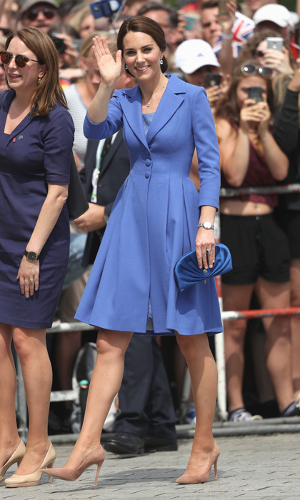 During a July 2017 visit to Germany, Kate looked beautiful in blue. The Duchess paired her Catherine Walker ensemble with Gianvito Rossi Praline pumps and a Jimmy Choo clutch. 