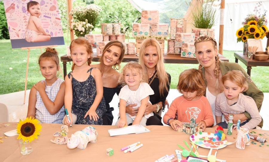 Let's be 'honest' - Jessica Alba's product launch looked incredible! On August 5, the 36-year-old actress and founder of The Honest Company celebrated her brand's upcoming limited edition diaper collection. The party was held at a glam private residence in East Hampton, and benefited Baby2Baby, wich provides low-income children with diapers, clothing and basic necessities.
