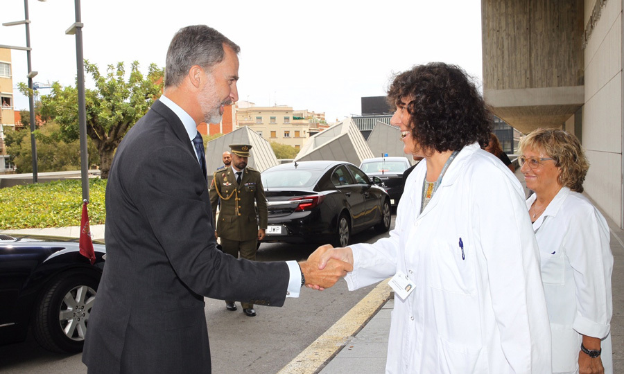 On August 19, Spanish royals King Felipe VI and Queen Letizia visited victims of Thursday's horrible terror attack in Barcelona as news broke that the death toll had risen to 14. The 49-year-old monarch and his 44-year-old wife stopped by several hospitals in an effort to comfort some of the 130 people who were injured. 