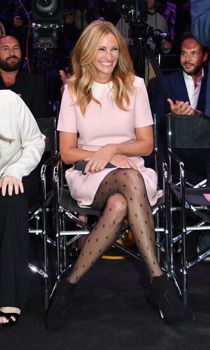 Julia Roberts let out a big grin in the front row of the Calzedonia Legs Show in Verona, Italy on September 5.