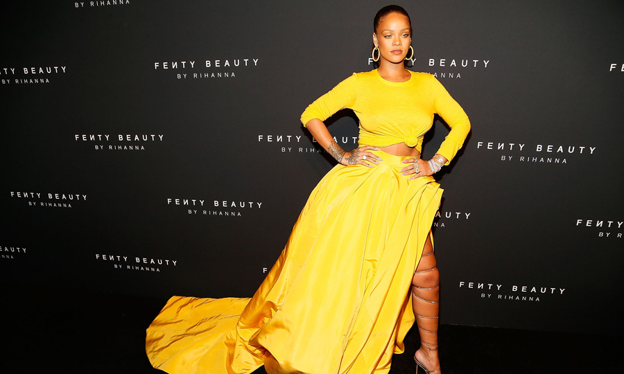 Rihanna brightened up the carpet in Oscar de la Renta during her Fenty Beauty launch in Brooklyn, New York on September 7, 2017.