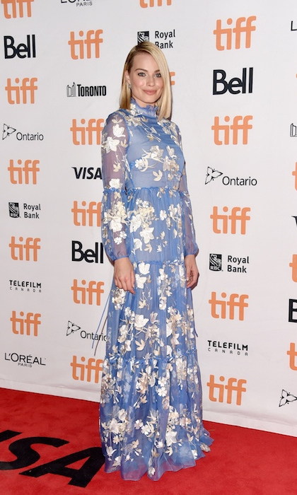 Margot Robbie made a lovely appearance in an Erdem gown at the premiere of her film <i>I, Tonya</i>.