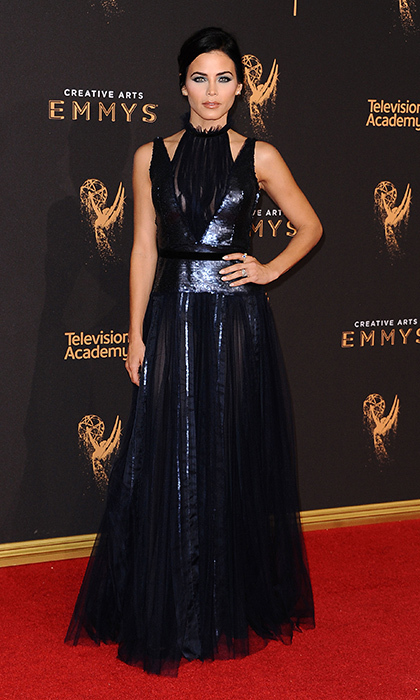 Jenna Dewan Tatum was shimmering in sequins on the red carpet thanks to Carolina Herrera.