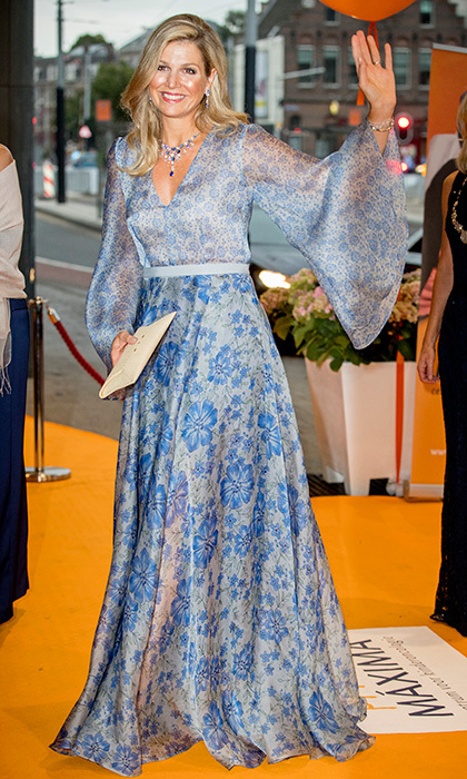 Queen Maxima of the Netherlands showed she's a fan of the season's statement sleeve trend as she attended a benefit gala for the Princess Maxima Center in Amsterdam.
