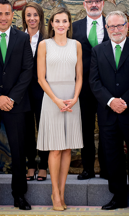 At a September 5 meeting at Zarzuela Palace in Madrid, Queen Letizia of Spain looked ready to transition to fall in this cute knit dress. 