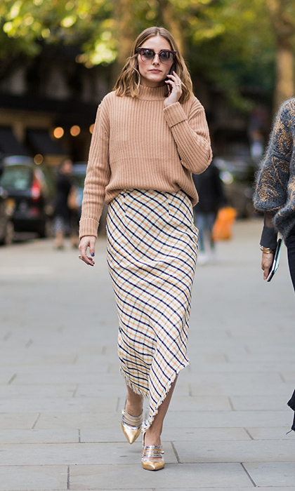 Olivia Palermo was cozy in knits as as she arrived for the Peter Pilotto presentation.