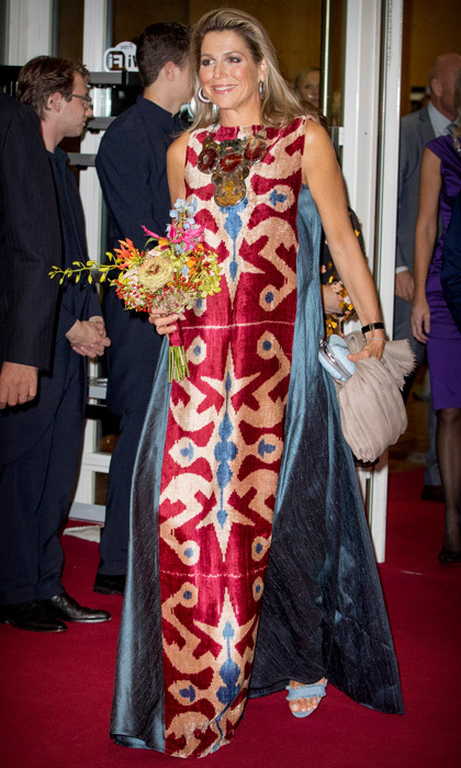 Queen Maxima's wore a patterned Afroditi Hera gown for her night at the National Opera & Ballet to watch <i>Ode to the Master</i> in Amsterdam on September 15. 