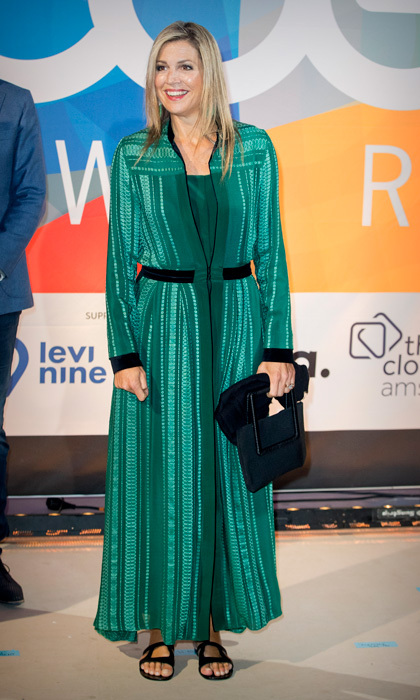 Queen Maxima went with a more comfortable pair of flat sandals to wear with her green dress to the LOEY Awards, which honors the best online entrepreneurs in Amsterdam on September 11.