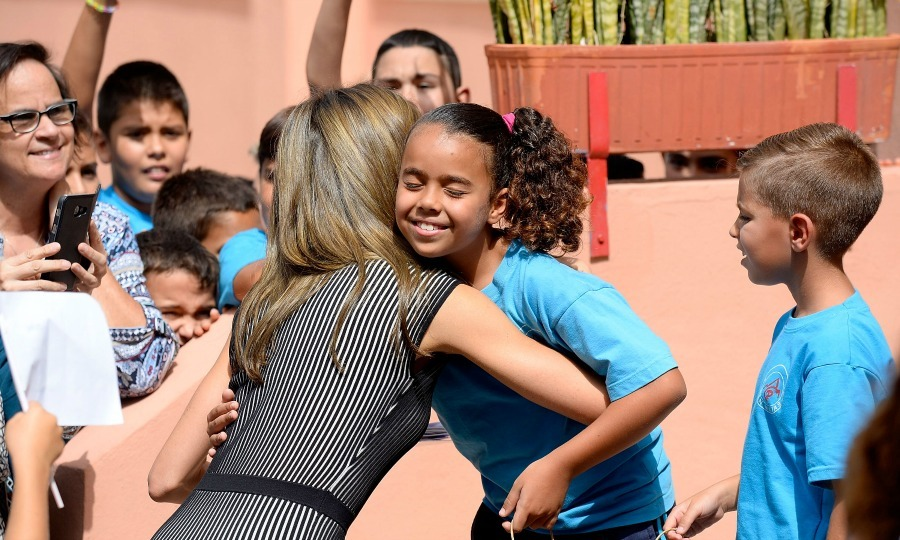 Letizia was the Queen of hugs as she was greeted by students during the opening of the 2017-2018 scholarship course at the San Matías School Centre in Santa Cruz de Tenerife of Canary Islands, Spain.