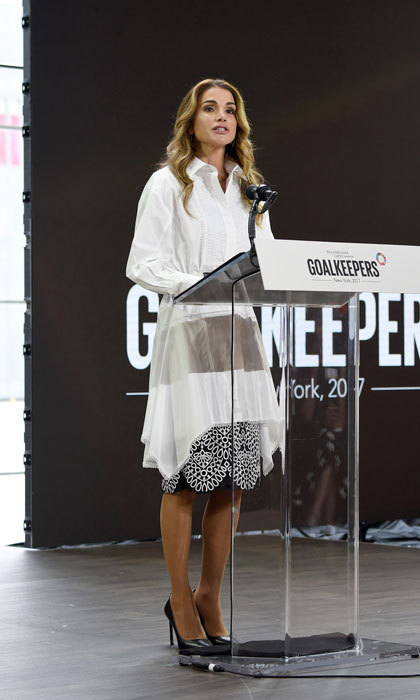 Queen Rania looked effortlessly chic while giving a speech at the Goalkeepers 2017 conference in NYC.