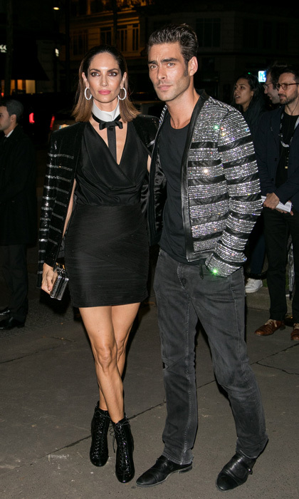 Spanish model-turned-actor Jon Kortajarena wore a bedazzled blazer to the L'Oreal Paris x Balmain party with Eugenia Siva.