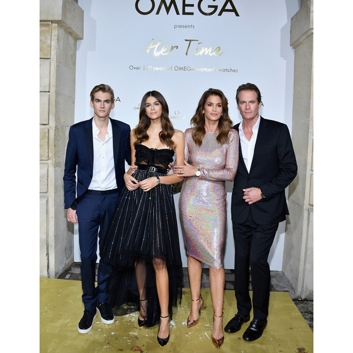 The Crawford-Gerber bunch had quite an arrival to the Omega Her Time exhibit in Paris. Presley, Kaia, Cindy and Rande are all ambassadors of the brand.
