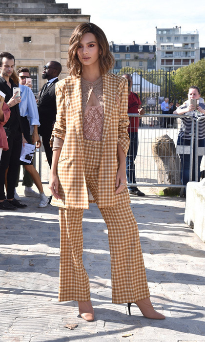 Emily Ratajkowski showed off the menswear trend and a shorter 'do outside the Nina Ricci show.