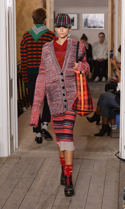 <b>LONDON</b>