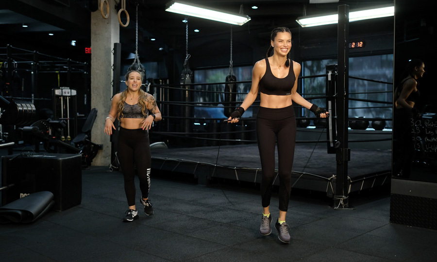 When the 36-year-old is in NYC, she visits Dogpound and works out with trainer Dara Hartman.