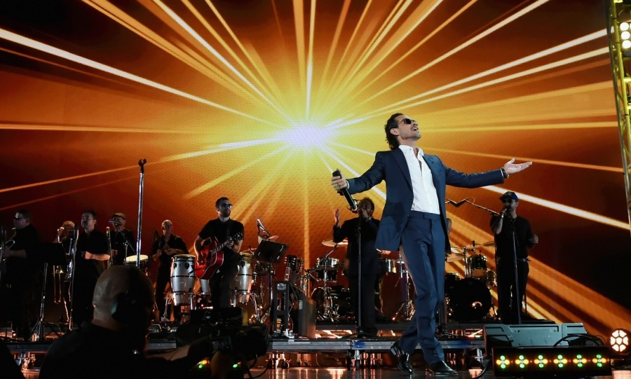 Jennifer's ex Marc Anthony, who also helped organize the event, literally opened the show with a bang, performing live from the concert's setup in Miami.