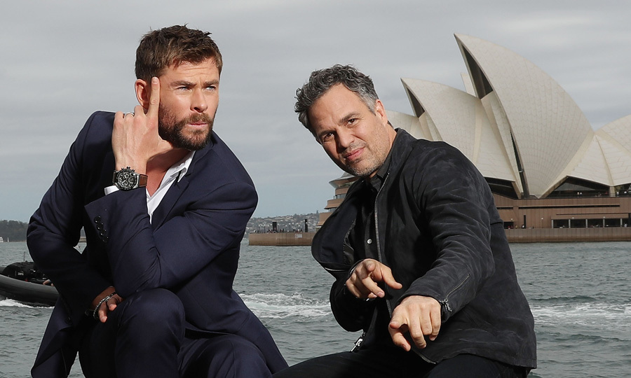 Strike a pose! Marvel co-stars Chris Hemsworth and Mark Ruffalo had some fun Down Under, hamming it up for cameras during a photo call for their upcoming film <i>Thor: Ragnarok</i> in Sydney, Australia on October 15.