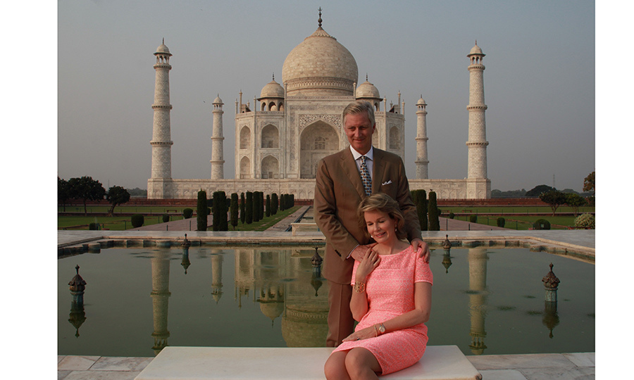 November seems to be a popular month for royal tours! King Philippe of Belgium and wife Queen Mathilde took a break to capture a moment at this iconic site – the Taj Mahal in Agra – on November 6. The Belgian royals are on a state visit to India until November 11.