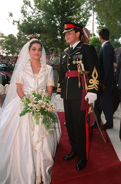 queen-rania-wedding-dress