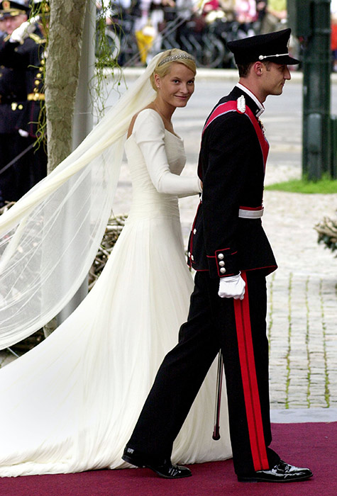 Mette-Marit-wedding-dress