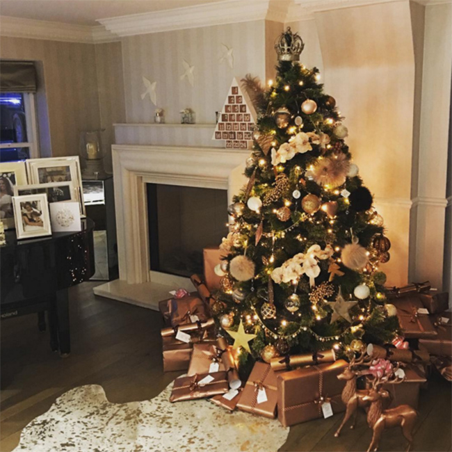 Photo C Instagram Rochelle Humes Showed Off Her Rose Gold Themed Decorations