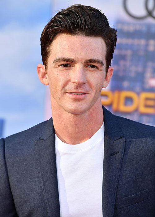 who is drake bell dating right now Did drake 'groom' underage hailey baldwin before dating her  they dated in 2016, right after she turned 18  09/24/18 5:02pm pdt  now, the tables have turned drake is suing his former.