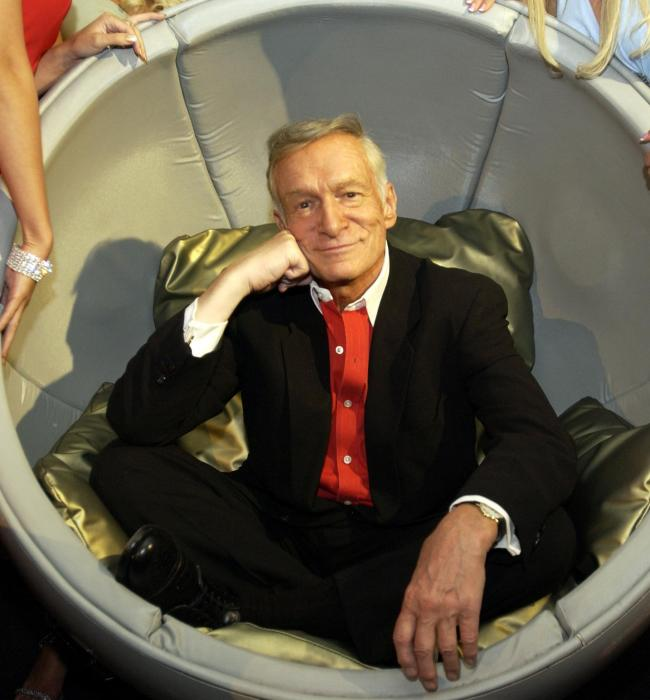 hugh-hefner-celebrates-playboy-50th-anniversary