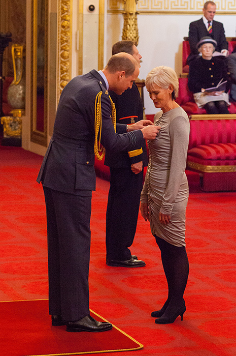 judy-murray-receives-obe-from-prince-william
