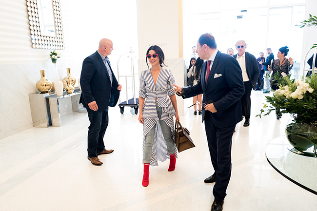 cheryl-cole-arrives-in-cannes-hotel