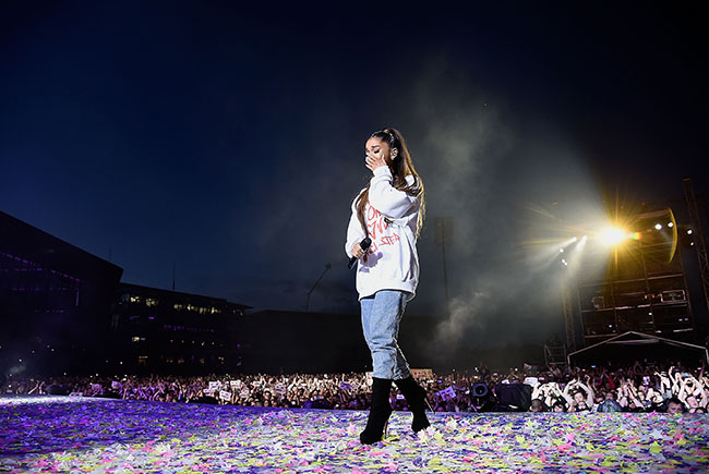 ariana-grande-one-love-manchester