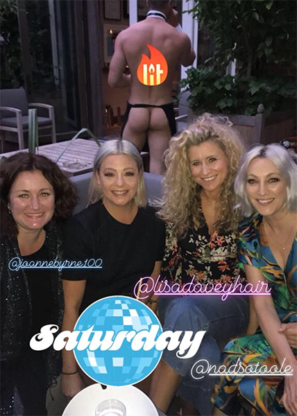 lisa armstrong out with friends