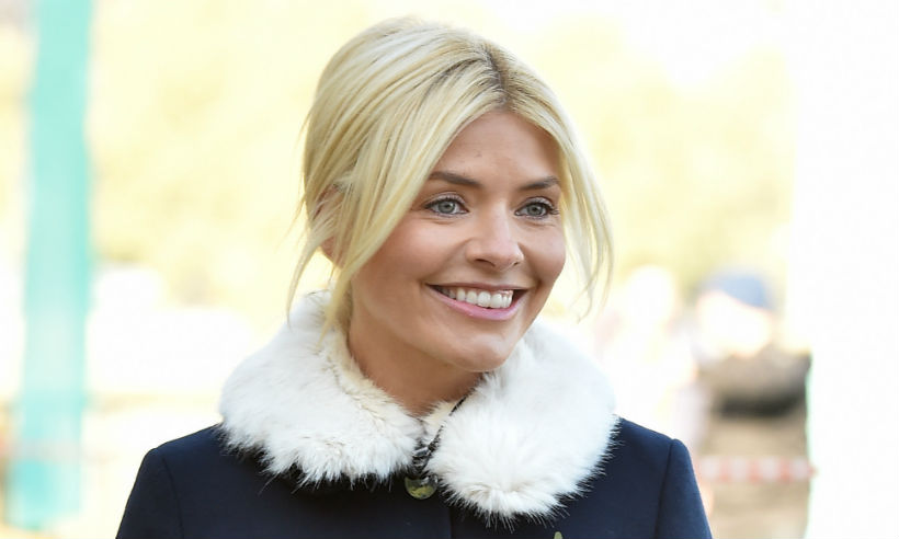 holly-willoughby-dancing-on-ice