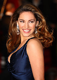 celebrity hair, hair styles, hair do, stars, TV baftas, recreate, look, copy, Kelly Brook, red carpet, side parting, height, rollers, backcomb