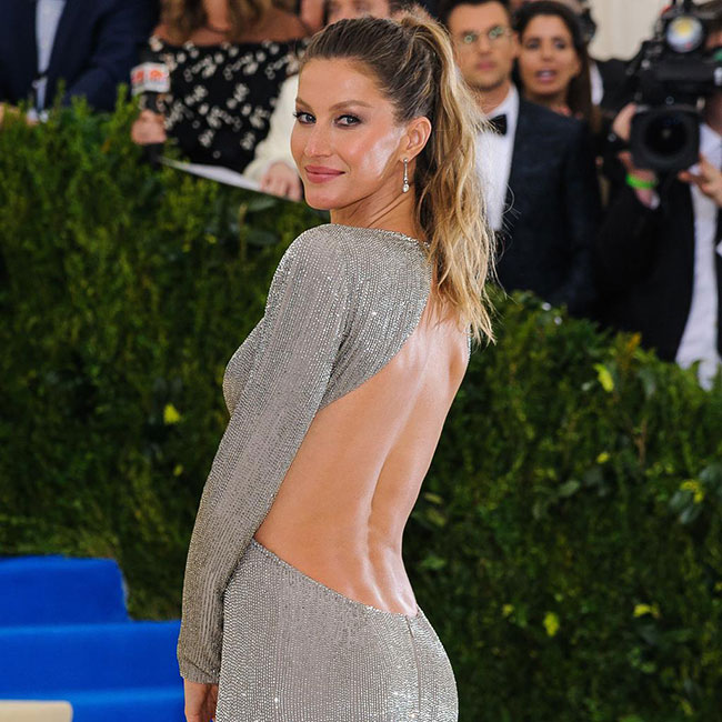Gisele Bundchen knows how to work an ultra-cool ponytail