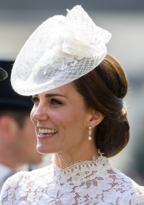 kate-middleton-hair-net-up-do