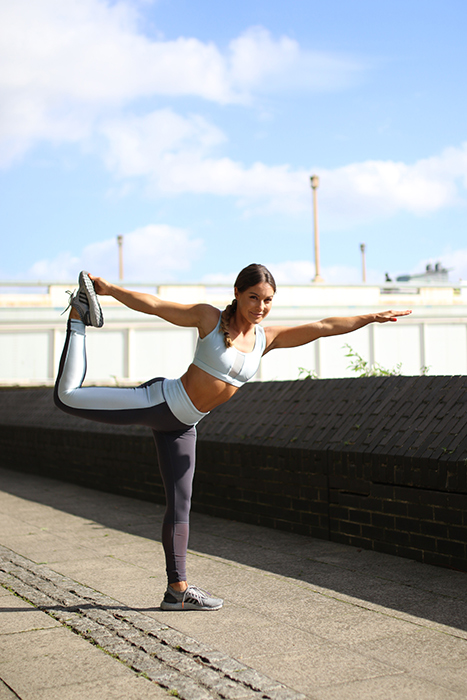 louise-thompson-yoga-pose