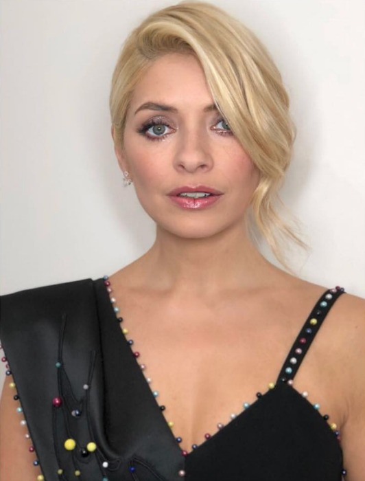 holly-willoughby-makeup