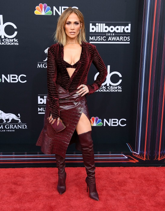 jennifer-lopez-billboard-outfit