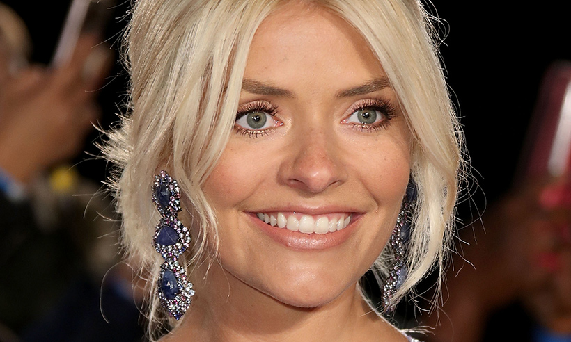 holly-willoughby-beauty-bag-favourite-bubble-bath
