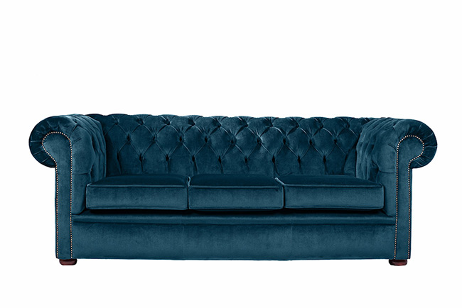 dark-and-dramatic-chesterfield-sofa