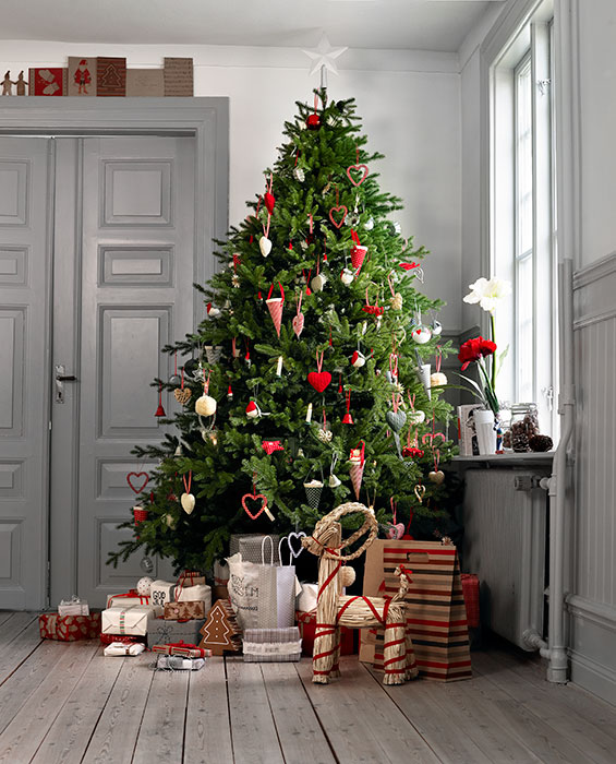 IKEA-Christmas-tree-living-room