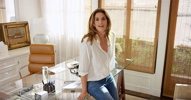 Cindy-Crawford-office