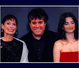Geraldine Chaplin and Penelope Cruz join Pedro Almodovar as his latest film Talk to her opens the Paris Film Festival