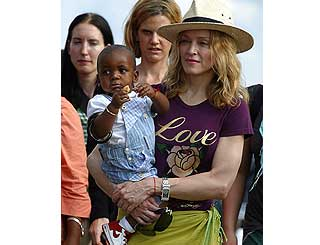 Madonna leaves Malawi